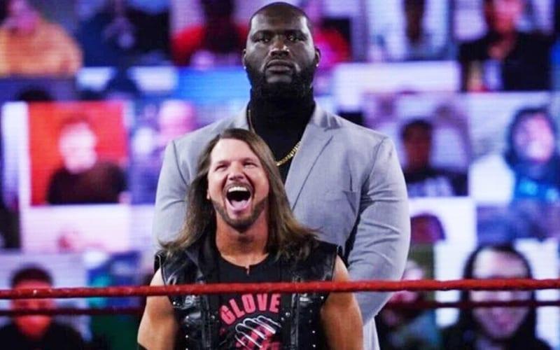 ¡ATERRADOR!  Omos y AJ Styles aterrorizan el nuevo día en WrestleMania 37 para ganar el Campeonato de Parejas