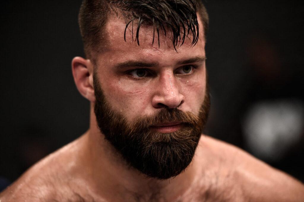 Julian Márquez llama a Patrick Mahomes II y Travis Kelce después de ganar en UFC Fight Night: Vettori vs Holland
