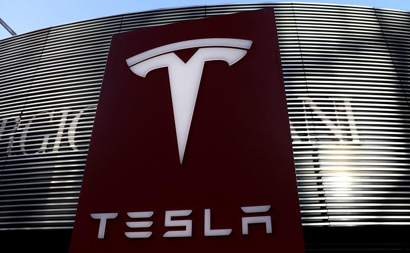 Protesta contra Tesla de una mujer china provoca una detención de 5 días, disculpa de la empresa