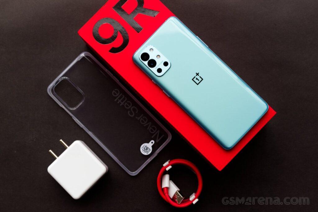 Revisión práctica de OnePlus 9R - prueba GSMArena.com