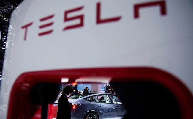 'Los frenos no funcionan': Tesla se disculpa después de las protestas de los clientes en un evento de automóviles