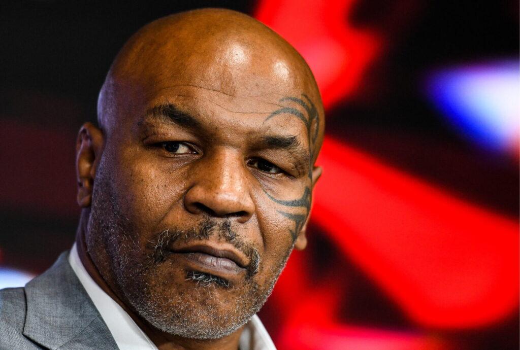 Twitter reacciona cuando Mike Tyson se vuelve BESTIA en AEW Dynamite para salvar a Chris Jericho