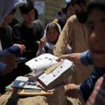 50 muertos en atentados con bombas en una escuela en la capital afgana